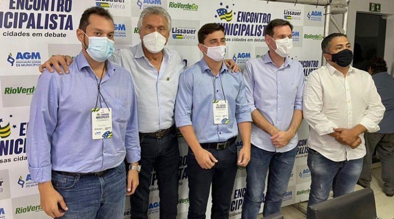 Prefeito de Formosa participa de encontro de prefeitos com governador e presidente da Alego em Rio Verde